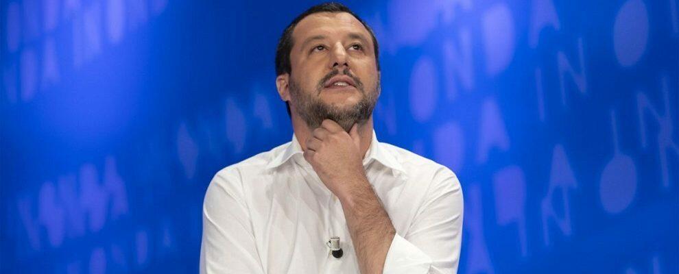 Un abbraccione a Salvini, che si difende come un Berlusconi qualunque