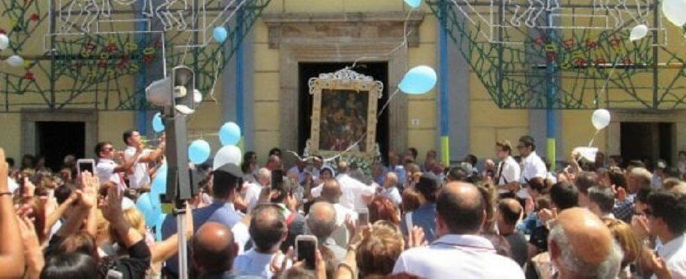 Boss della 'ndrangheta vuole portare la statua della Madonna, i Carabinieri bloccano la processione