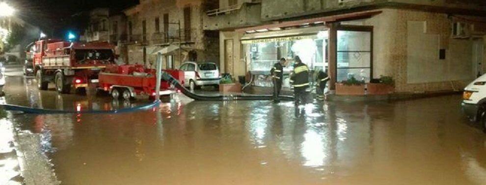 Maltempo in Calabria, salvate sei persone bloccate nelle loro case