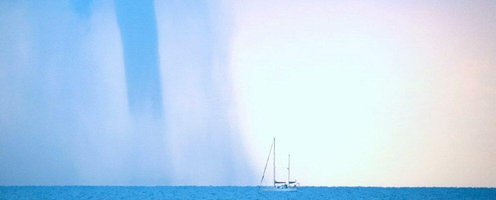 Foto del giorno: tromba d'aria a Caulonia Marina