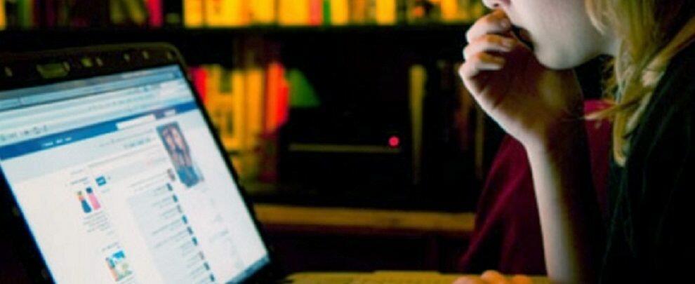 Molestava coppia reggina tramite falsi profili sui social network, divieto di avvicinamento per uno stalker