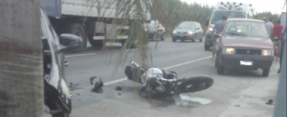 Un altro grave incidente a Caulonia Marina, scontro auto-moto