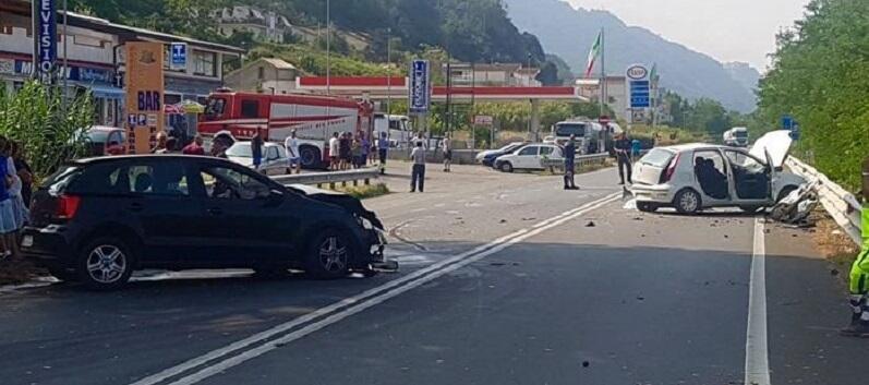 Calabria, scontro tra auto, un morto