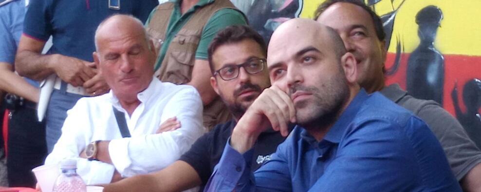 I troll sostenitori di Lega e Forza Nuova scatenati contro Giovanni Maiolo (Re.co.sol.) per il suo sostegno a Riace. L'intervista