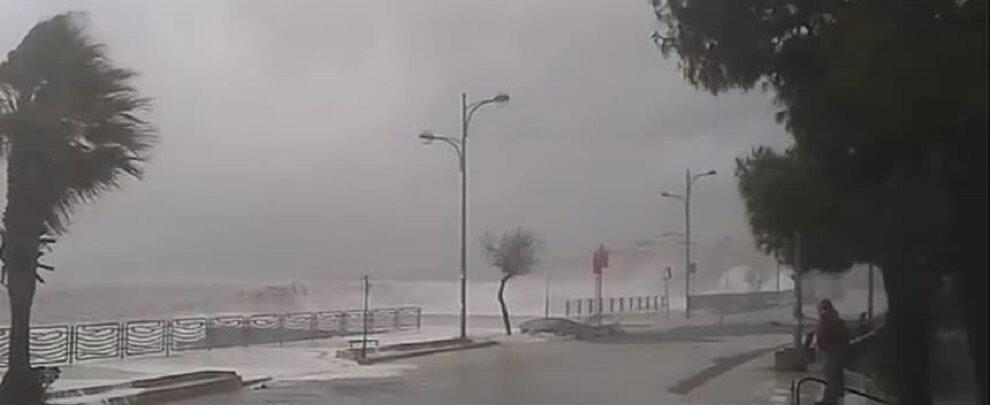 Maltempo, piogge e temporali in arrivo: è allerta gialla in Calabria