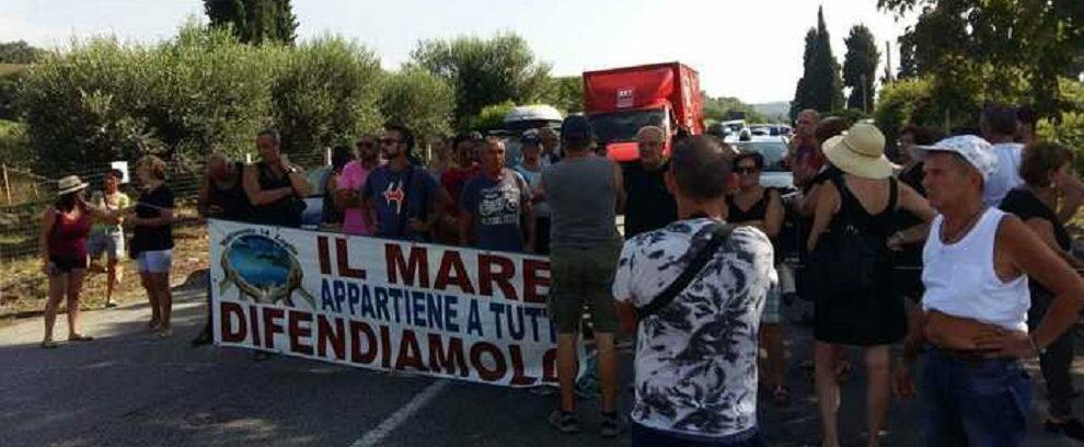 """Protesta del """"Movimento 14 luglio"""", bloccata la statale 18"""