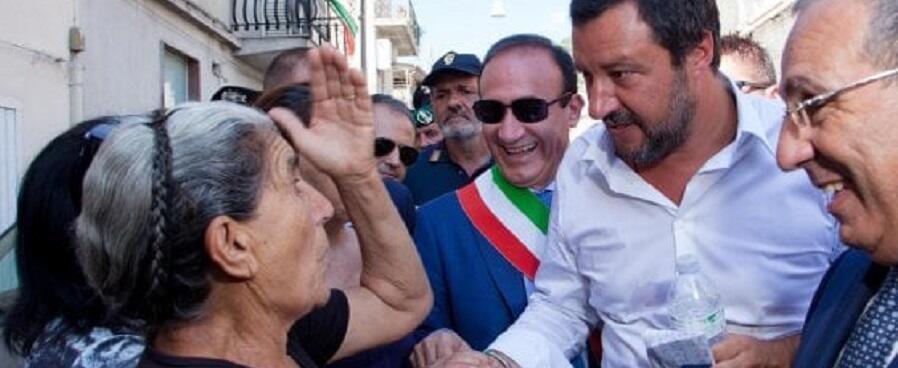 Salvini a San Luca esterna su tutto. Ma glissa sui 49 milioni di euro rubati dalla Lega