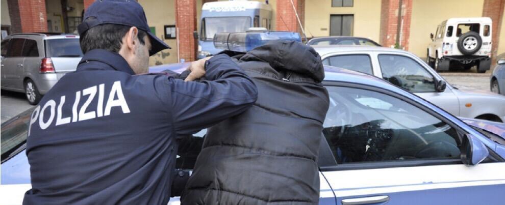 Oltraggio e violenza a pubblico ufficiale, una persona in manette