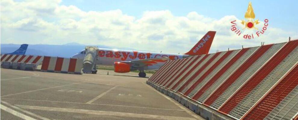 Attimi di panico all'aeroporto di Lamezia, avaria al motore di un aereo in fase di decollo