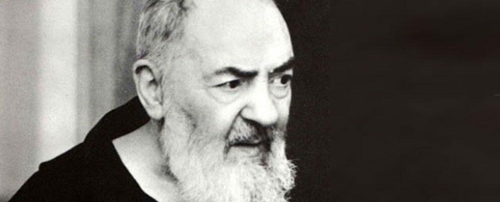 """""""Vi racconto la vera storia di Padre Pio, l'impostore diventato Santo"""""""