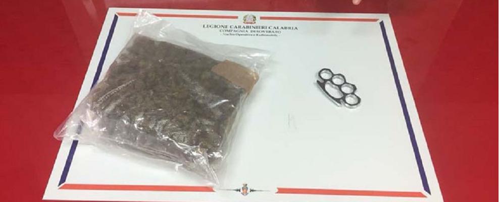 Trovano droga in auto, carabiniere viene aggredito durante un controllo
