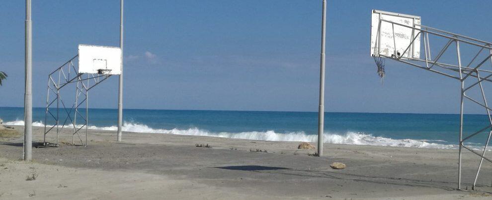 I danni della mareggiata al lungomare di Caulonia – fotogallery
