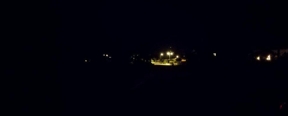 Al buio il lungomare di Caulonia