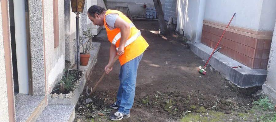 L'Associazione di Pino Timpano prosegue la pulizia volontaria del cimitero di Caulonia