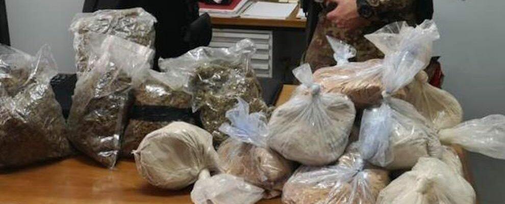 Bovalino, rinvenuti 2,5 kg di marijuana e 18kg di sostanza da taglio occultati tra la vegetazione