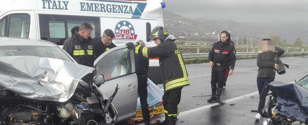 Sarebbe di un morto e un ferito il bilancio dell'incidente avvenuto ieri sulla Jonio-Tirreno