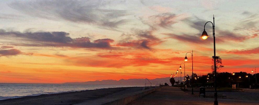 Cambiando Prospettiva: meraviglioso tramonto visto da Caulonia