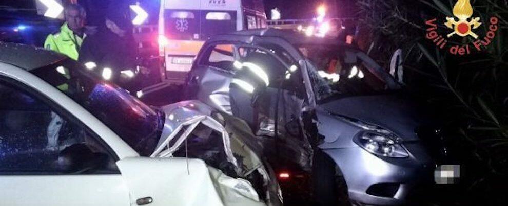 Incidente stradale sulla S.S. 106, tre i feriti