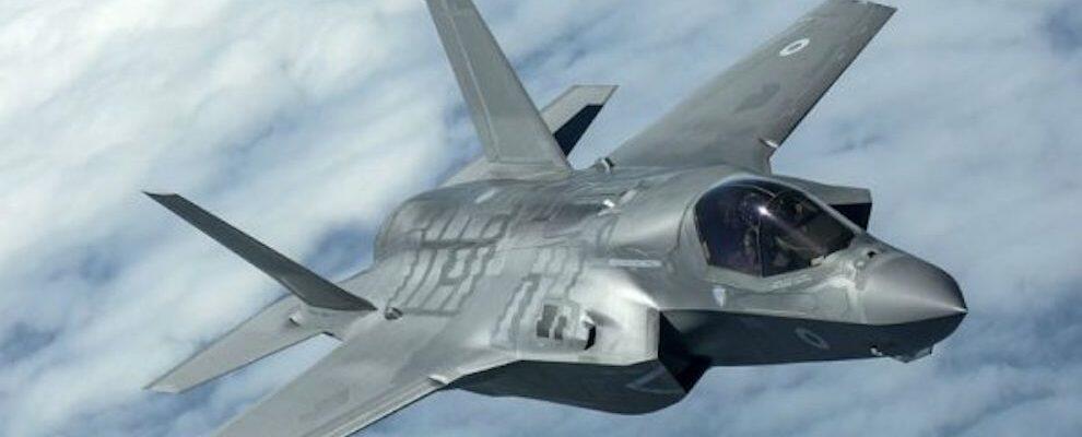 """F-35, Aiello contro il M5S: """"In campagna elettorale pacifisti, al governo guerrafondai"""""""