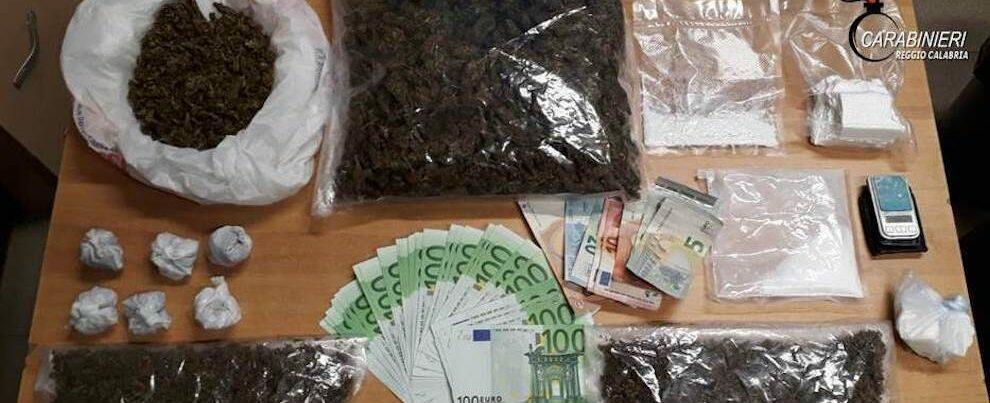 Sorpreso in casa con droga e 5000 euro in contanti, in manette un pregiudicato