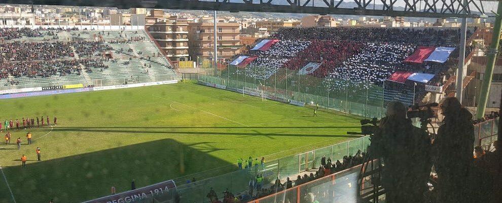 Scontri durante la partite di Calcio tra Palmese-Gela e il derby Reggina-Catanzaro, emessi 11 Daspo