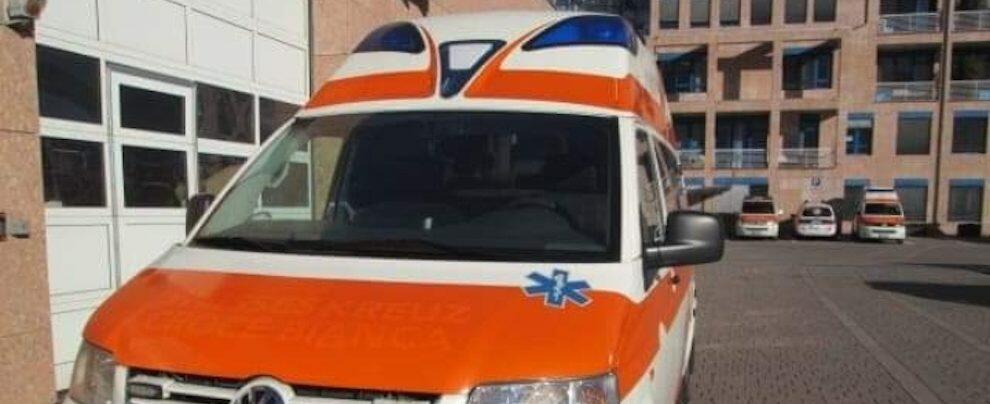 Caulonia, arrivata l'ambulanza per l'Associazione Amici di San Daniele Comboni