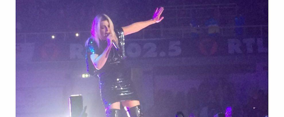 """Emma Marrone ferma il concerto a Reggio Calabria: """"Pensavo che qualcuno si stesse sentendo male, e invece…"""""""