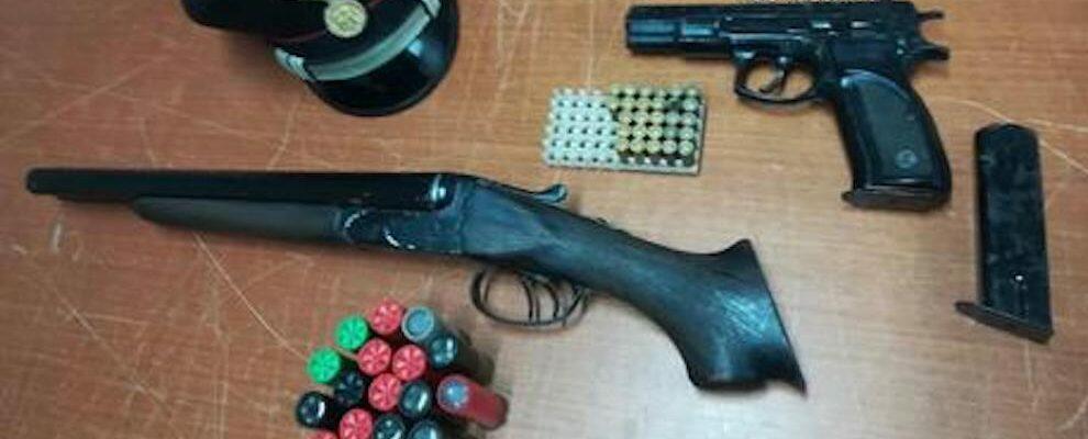 Armi e munizioni nascoste in un divano nel vibonese
