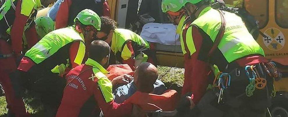 Limina: cade da un dirupo mentre raccoglieva origano, recuperato dal soccorso alpino