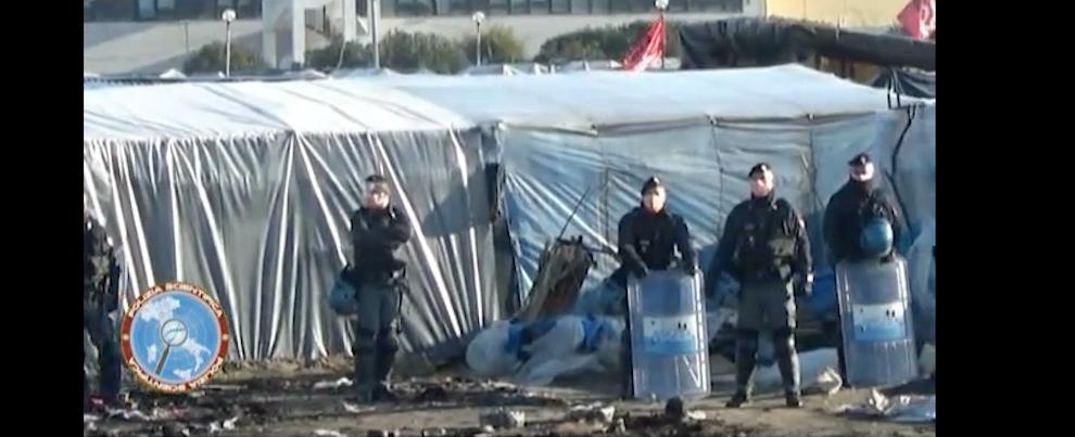 Operazioni di sgombero presso la tendopoli di San Ferdinando – video
