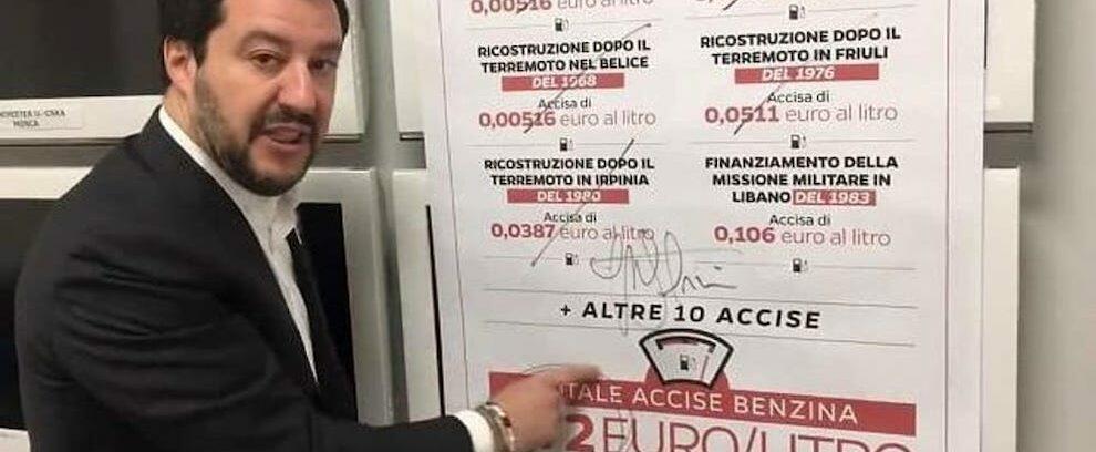 Salvini prometteva di tagliare il prezzo della benzina ma la legge di bilancio lo aumenta
