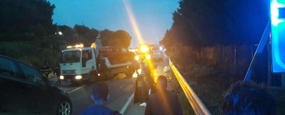 Incidente sulla S.S. 106: due feriti gravi