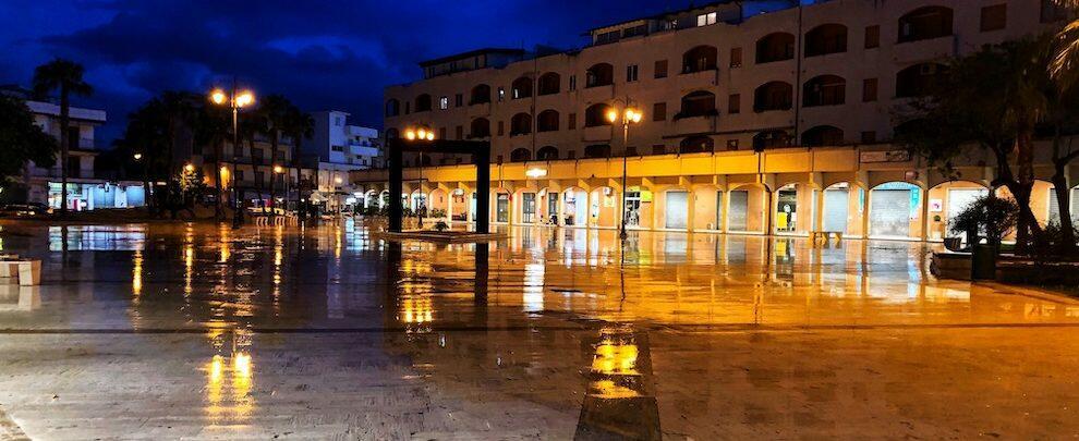 Caulonia, Piazza Bottari in un giorno di pioggia