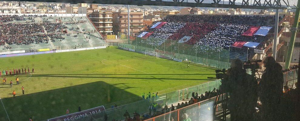 Arrestati due tifosi reggini sotto daspo sorpresi a scavalcare la recinzione dello stadio per assistere alla partita