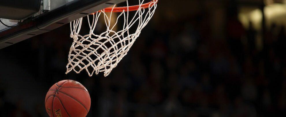 Minaccia l'arbitro al termine di un incontro di basket, emesso un daspo