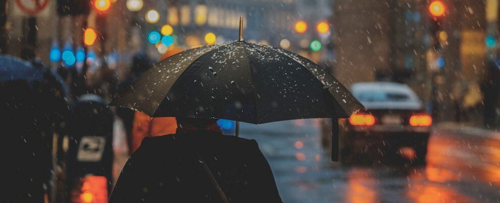 Maltempo: piogge, neve e venti forti da Nord a Sud. Allerta arancione in Calabria