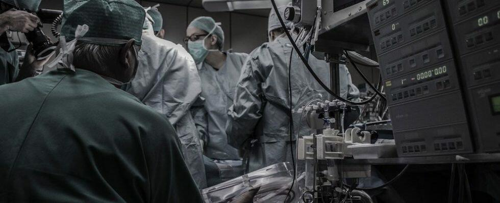 """Paziente calabrese tenuta in vita grazie ad un """"cuore artificiale"""" prima del trapianto"""