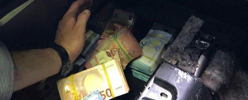Nascondeva oltre un milione di euro in auto, denunciato un locrese