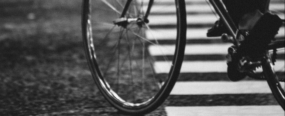Siderno, brutto incidente stradale tra suv e un ciclista