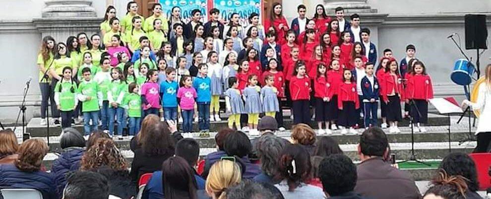 """Grande successo per il coro """"Piccole gocce"""" di Caulonia all'evento del 2 giugno a Cittanova"""
