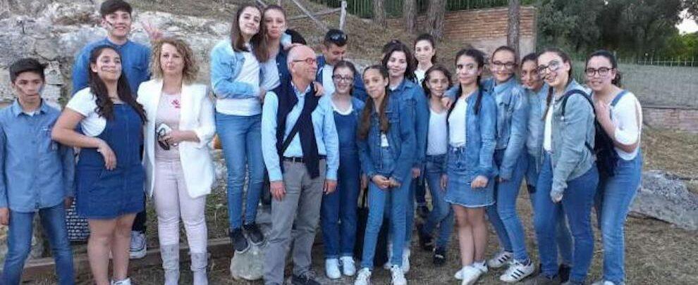 Spettacolo teatrale di alto livello per gli studenti della scuola Brugnano di Marina di Gioiosa