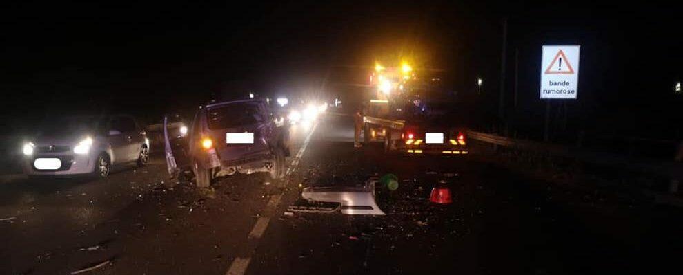 Incidente stradale sulla S.S.106, tre le auto coinvolte