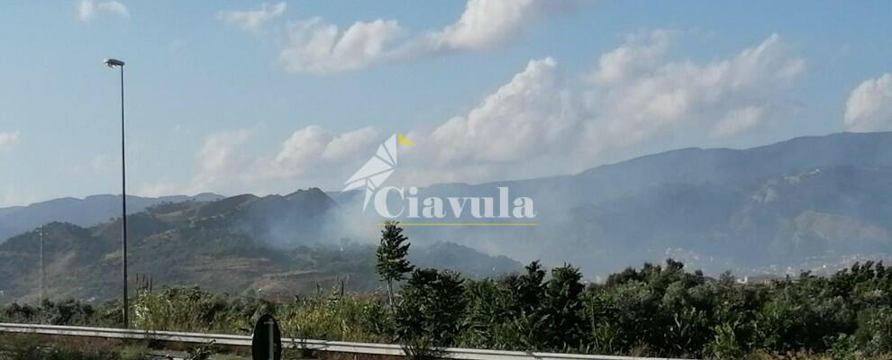 Fotonotizia: incendio a Gioiosa Ionica