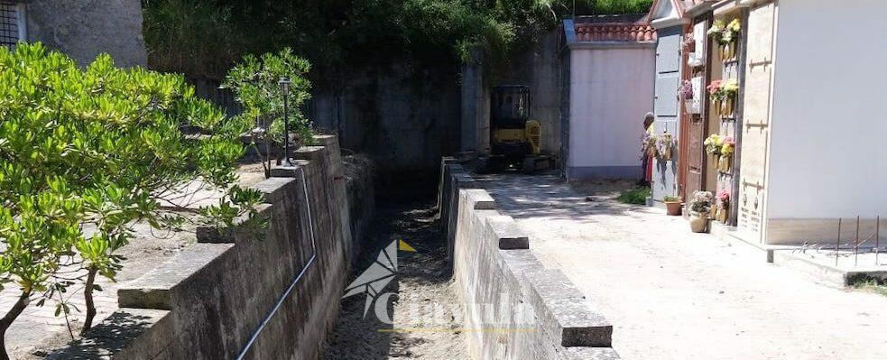 Continuano i lavori di pulizia del cimitero di Caulonia grazie ai volontari dell'Associazione Amici di San Daniele Comboni