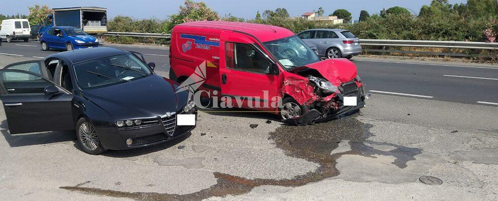 Incidente a Vasì di Caulonia sulla S.S. 106, 3 auto coinvolte