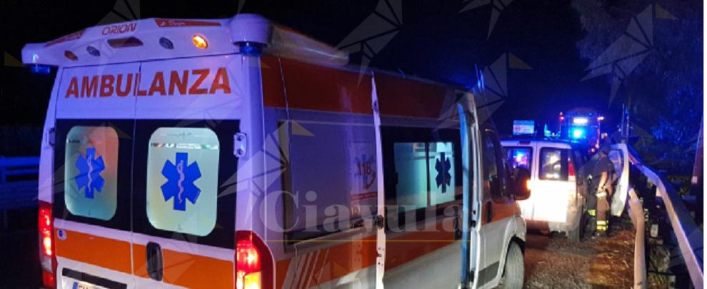"""Consumata un'altra """"tragedia del sabato sera"""" sulle strade della Calabria, morti quattro ragazzi"""