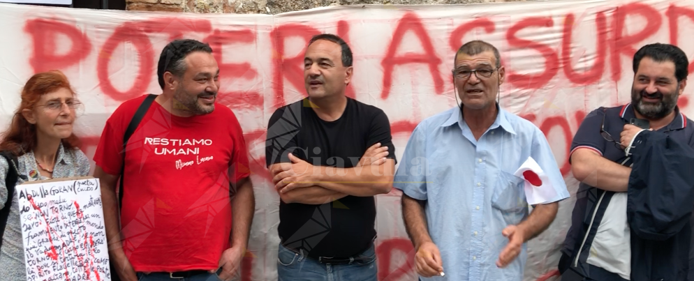 L'intervento di Domenico Lucano a sostegno dei kurdi – video