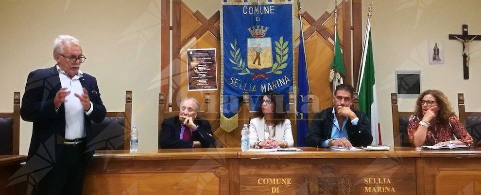"""Giuseppe Nucera a Sellia ragiona di Calabria """"plastic free"""""""