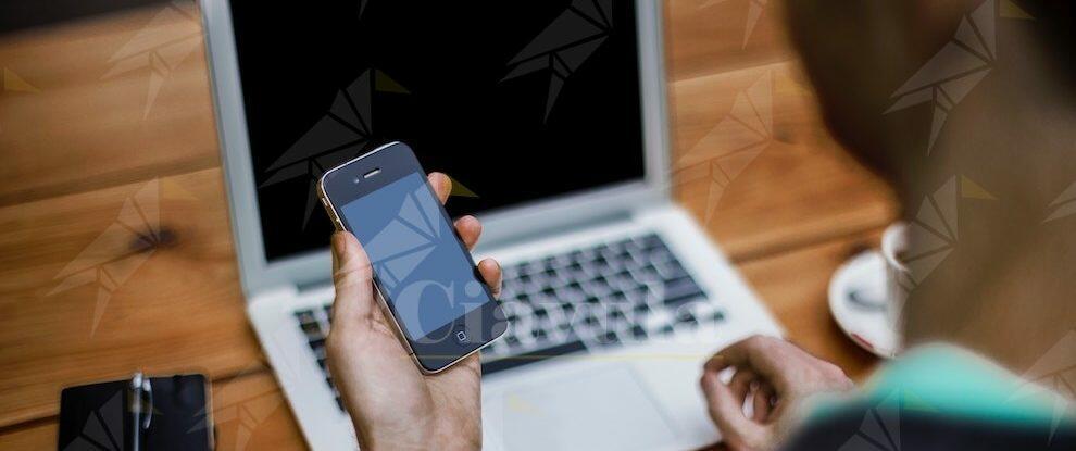Regali di Natale, i consigli della polizia per effettuare acquisti on-line in sicurezza