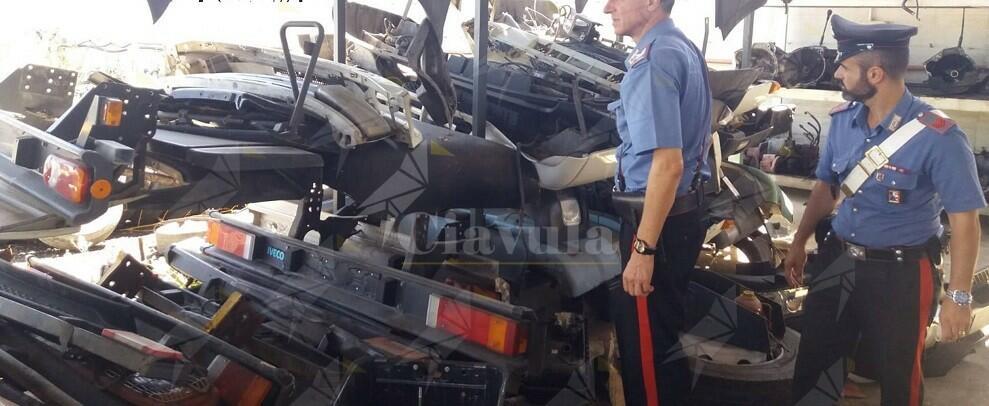 Sorpresi a rubare pezzi di auto sotto sequestro, arrestati in flagranza di reato